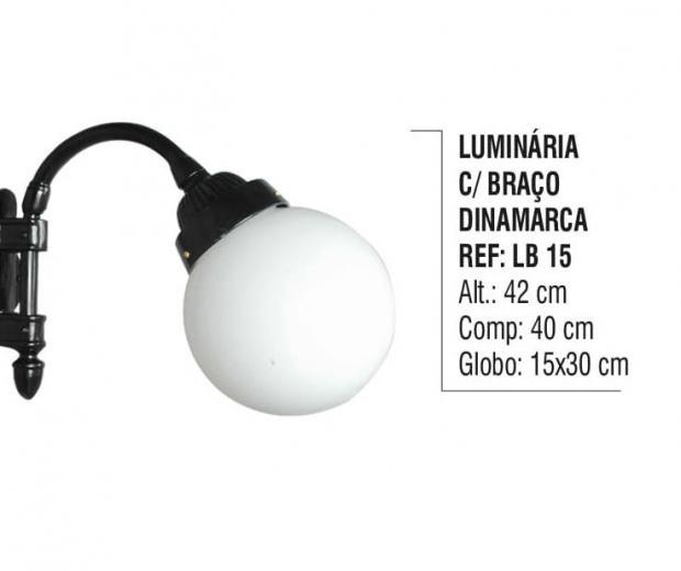 Luminária com Braço Dinamarca