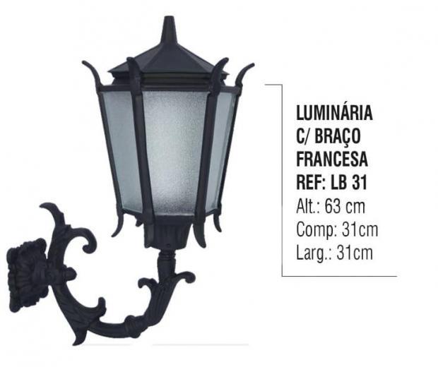 Luminária com Braço Francesa