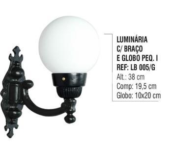 Luminária com Braço e Globo Pequeno 1