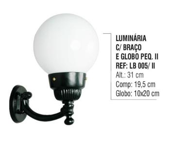 Luminária com Braço e Globo Pequeno 2