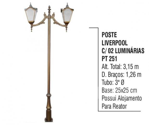 Postes Liverpool com 02 Luminárias