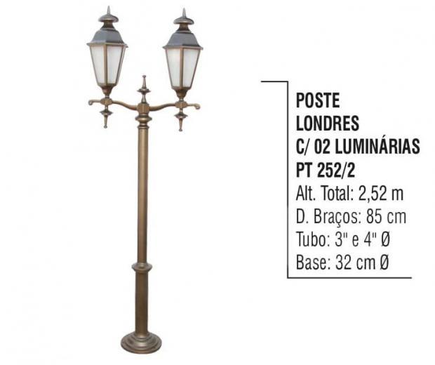 Postes Londres com 02 Luminárias