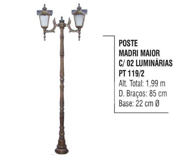 Postes Madri Maior com 02 Luminárias