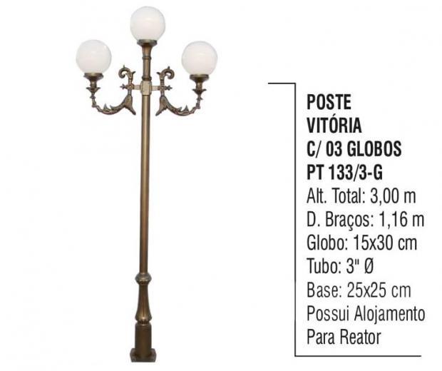 Postes Vitória com 03 Globos